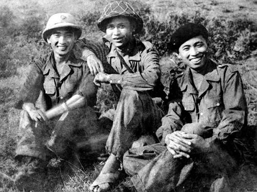 Soldats de l'Armée populaire du Viêt-Nam lors de la campagne des frontières en 1950 © Ninh Thuan online