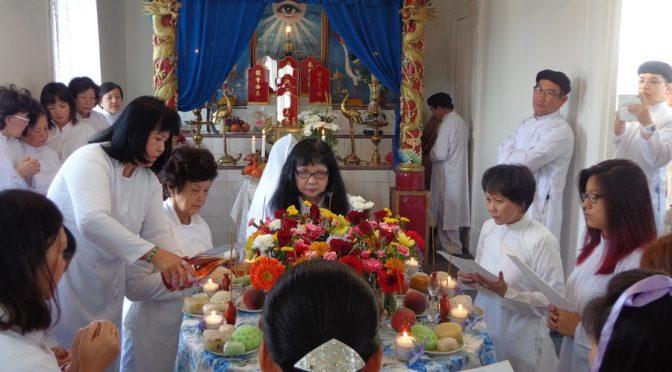 Cao Dai, une religion vietnamienne dans la banlieue de Paris – par Sylvia Romanelli [2016]